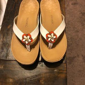 Vionic 9 super cute sandals EUC